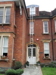 Harpenden window cleaning ladders apartment