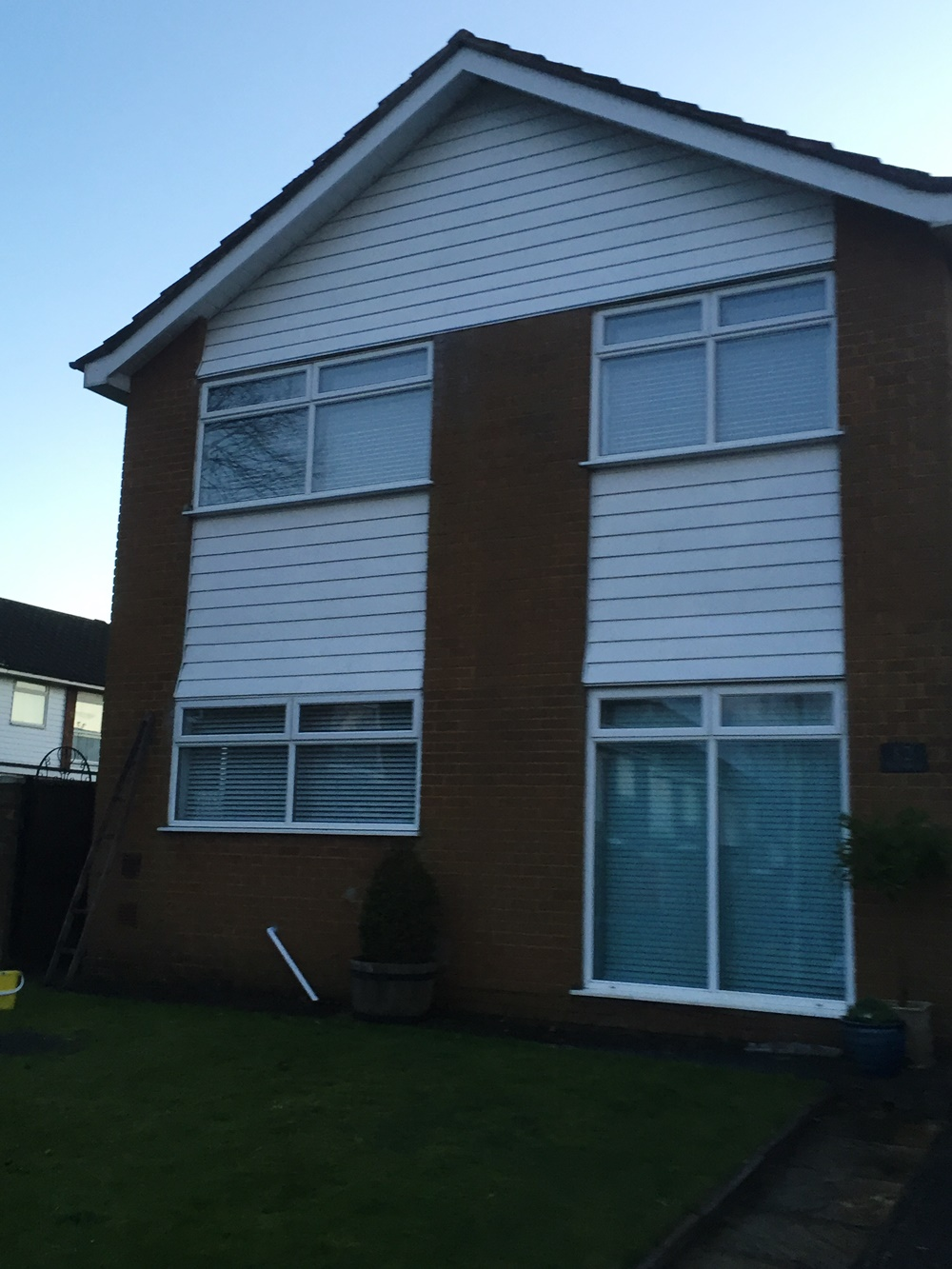 Fascias bargeboards soffits and gutters soffits autos post for What is window cladding